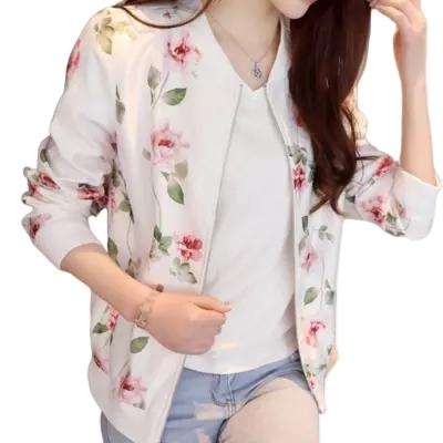 Veste à fleurs blanche