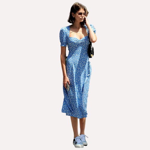Longue robe fleurie bleue