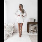 robe-fleurie-blanche-dentelle