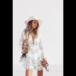 robe-a-fleurs-dentelle-blanche