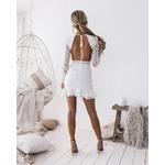 robe-blanche-fleurie-moulante
