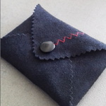 designdelo-portemonnaie-noir-insitu1-01