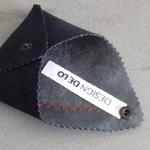designdelo-portemonnaie-noir-insitu2-01