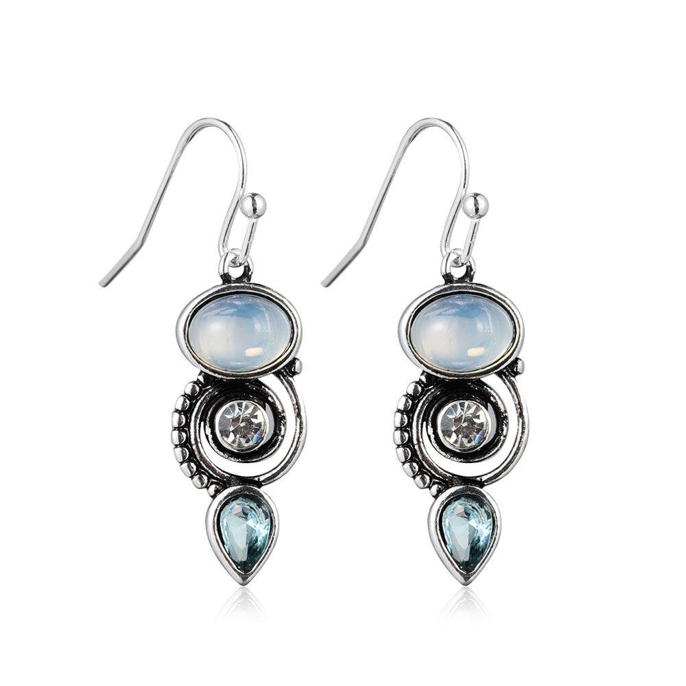 Boucles d\'oreilles Vintage avec larme Chic Topaze bleue