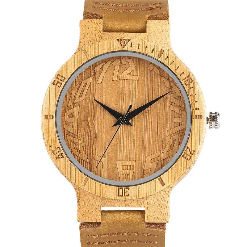 Unique en bois montre avec de gros chiffres
