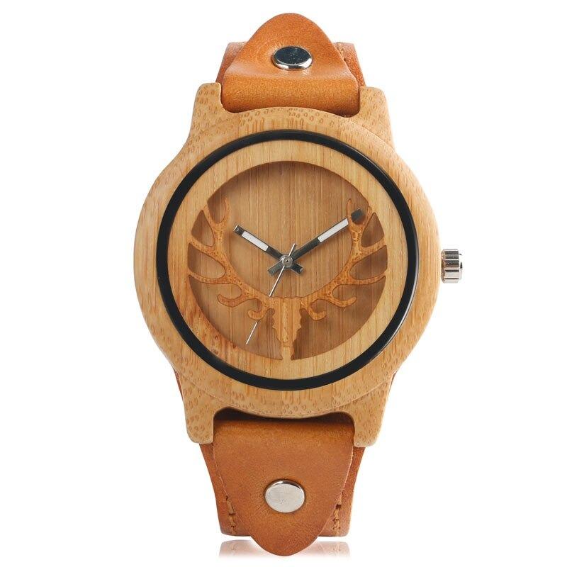 Montre en bois avec cerf minimaliste nature