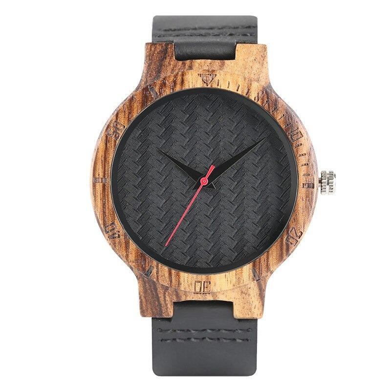 Montre façon gommage en bois avec bracelet en cuir