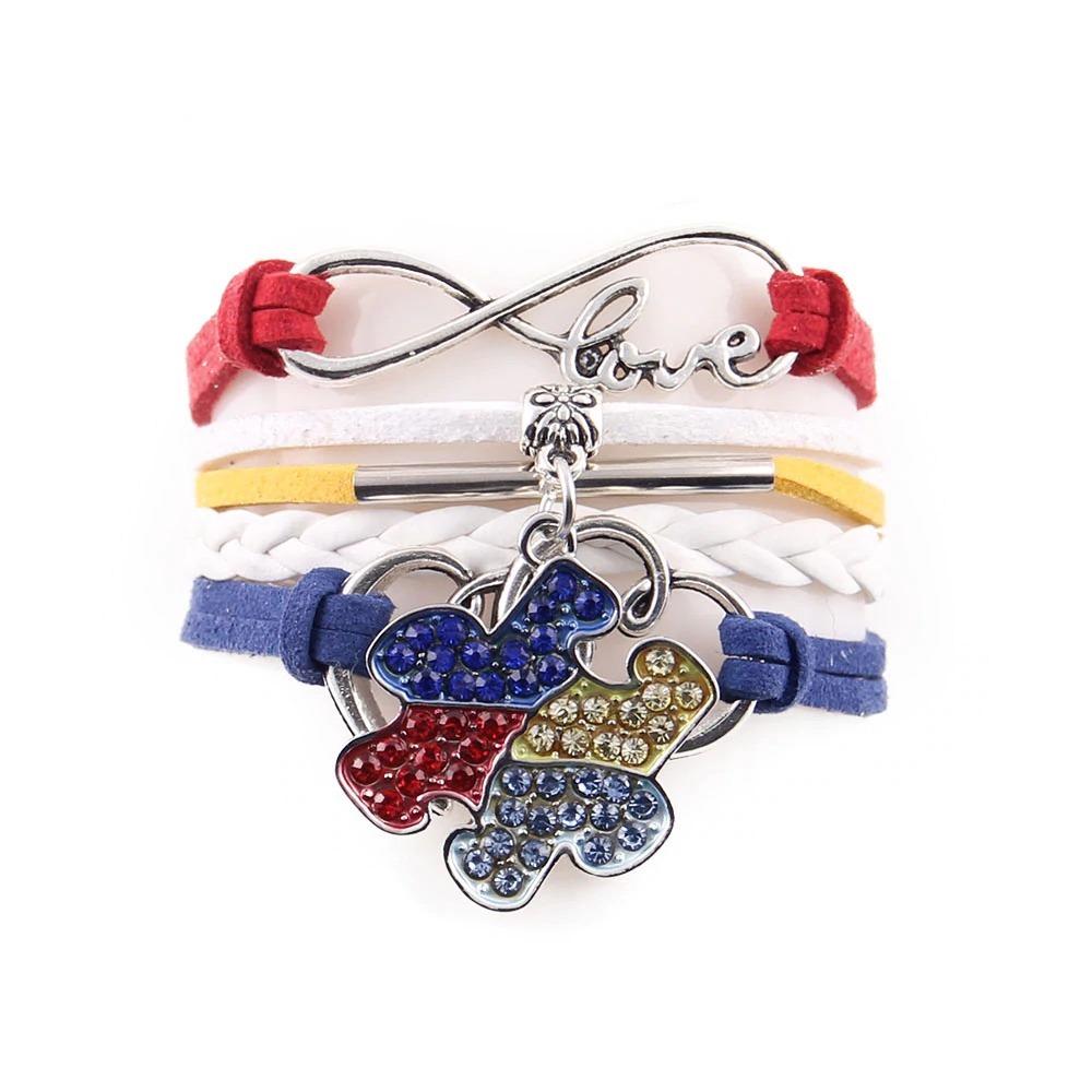 Bracelet en strass signe infini