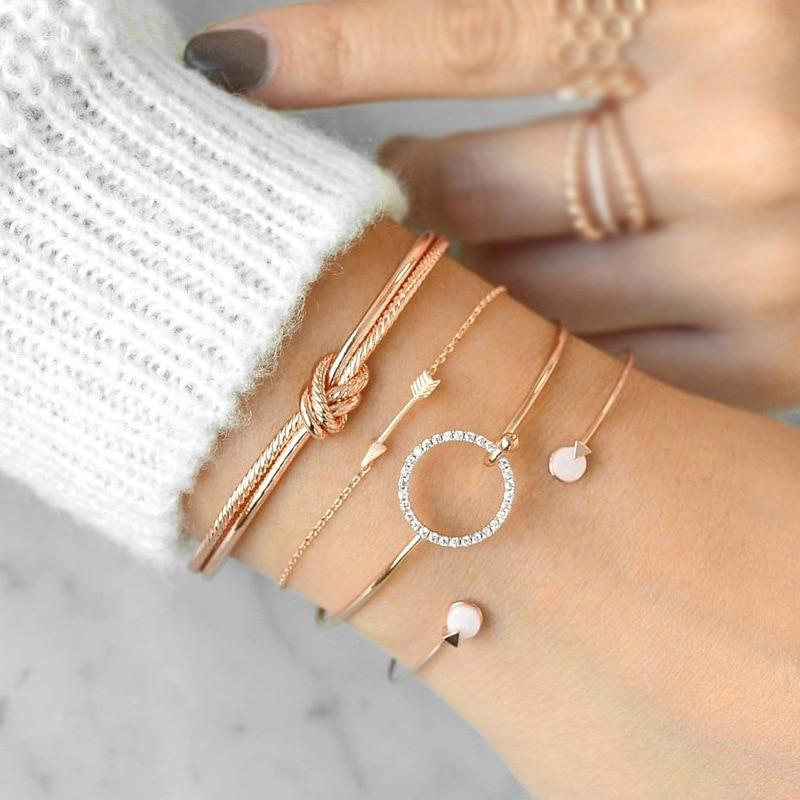 Bracelet manchette fantaisie en doré ou argenté