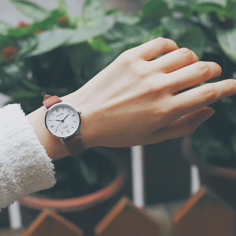 Montre-bracelet vintage en cuir