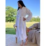 peignoir de bain spa blanc adulte haut de gamme mannequin debout noué sur le ventre