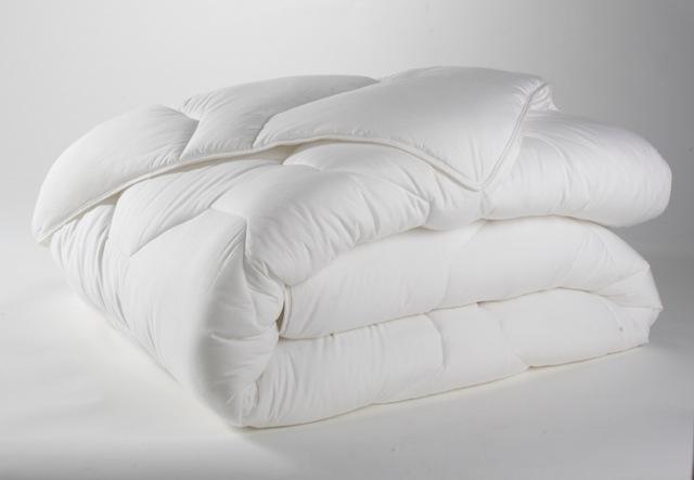 Couette 4 saison 100% coton blanche