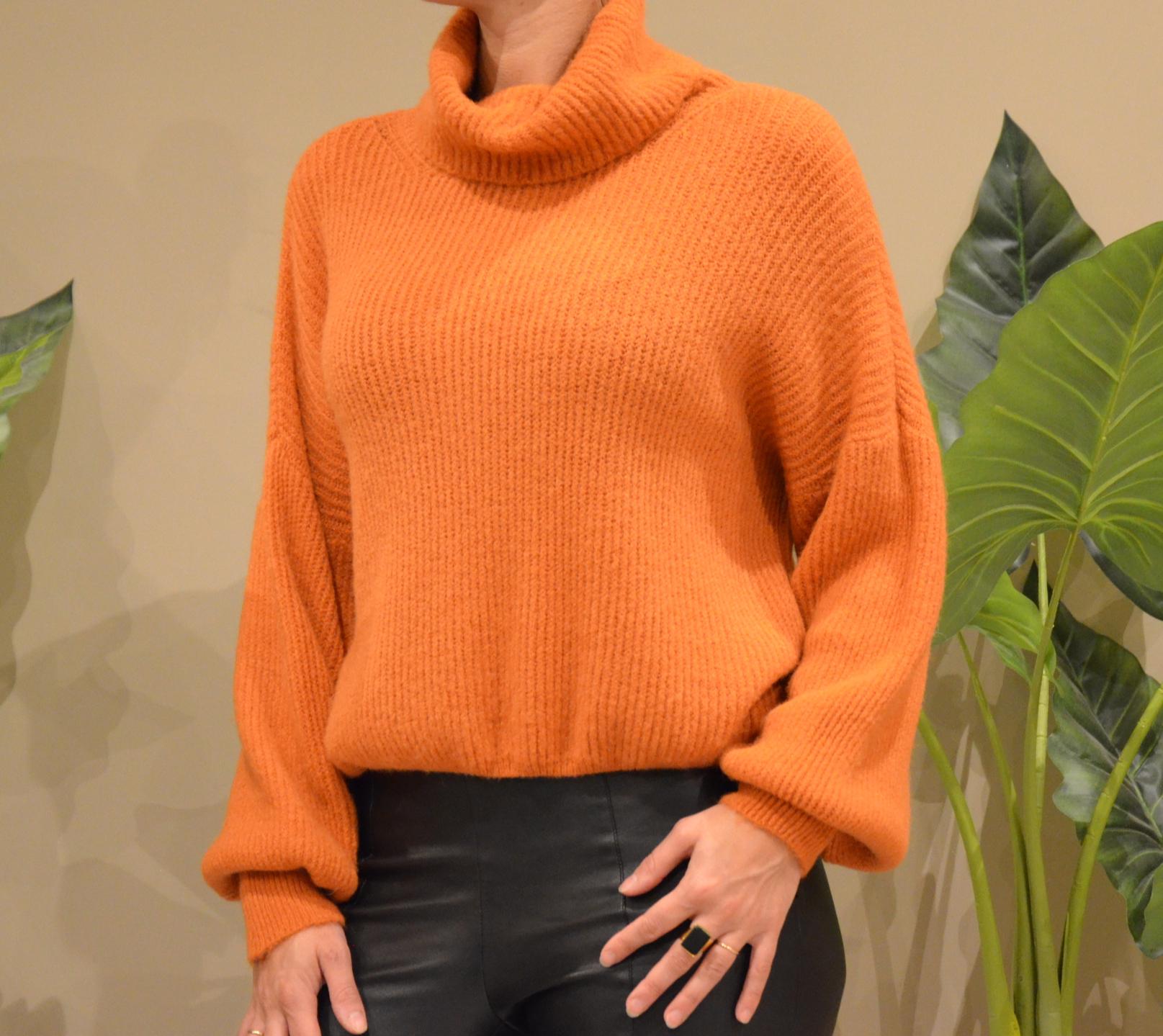 Le pull col roulé  Lili  orange