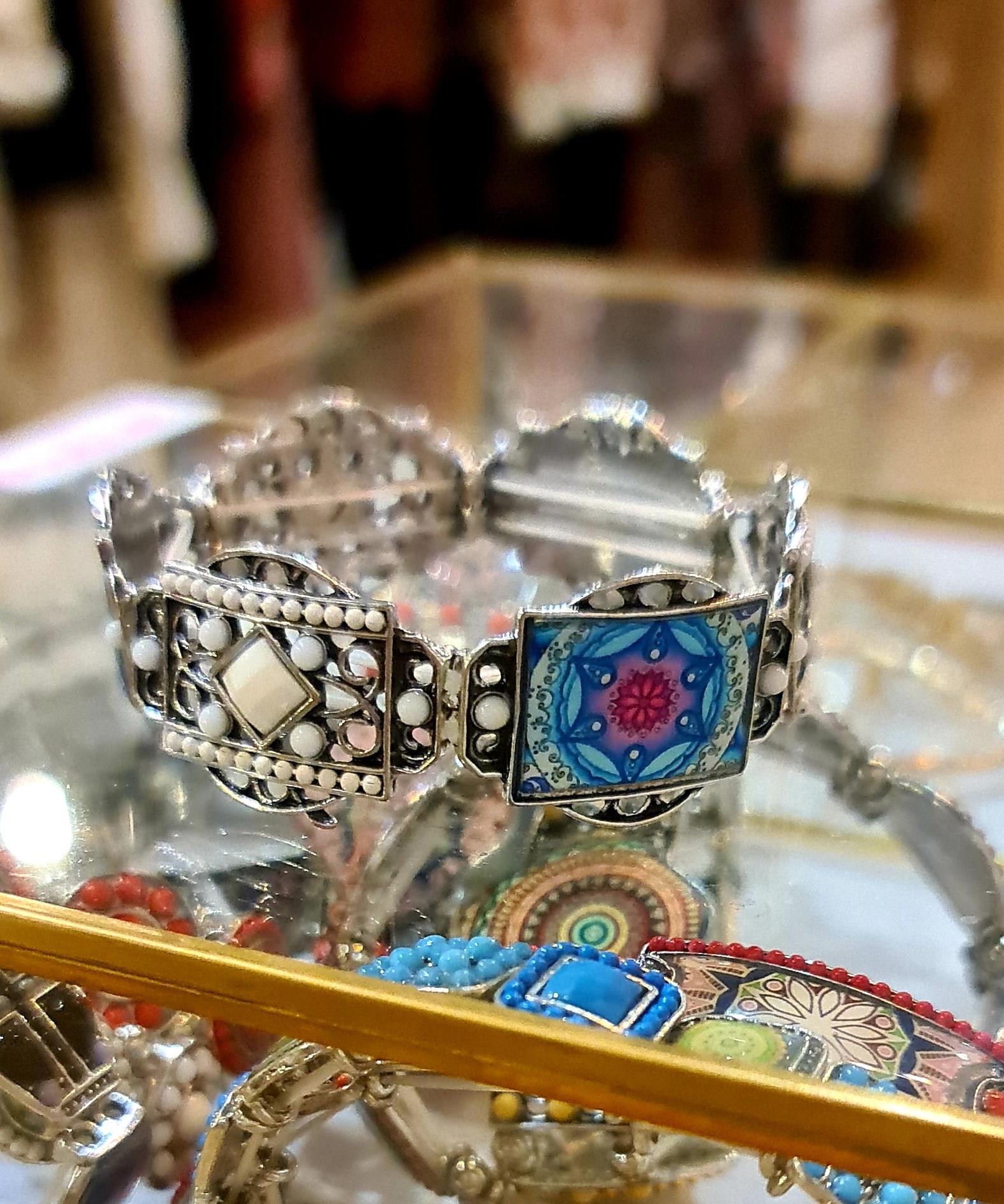 Le bracelet  Azti  blanc