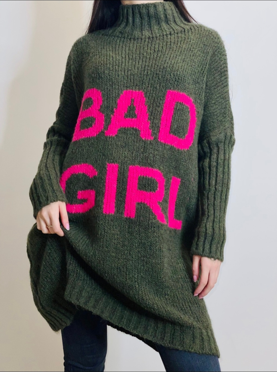 La robe pull «  Bad girl » kaki