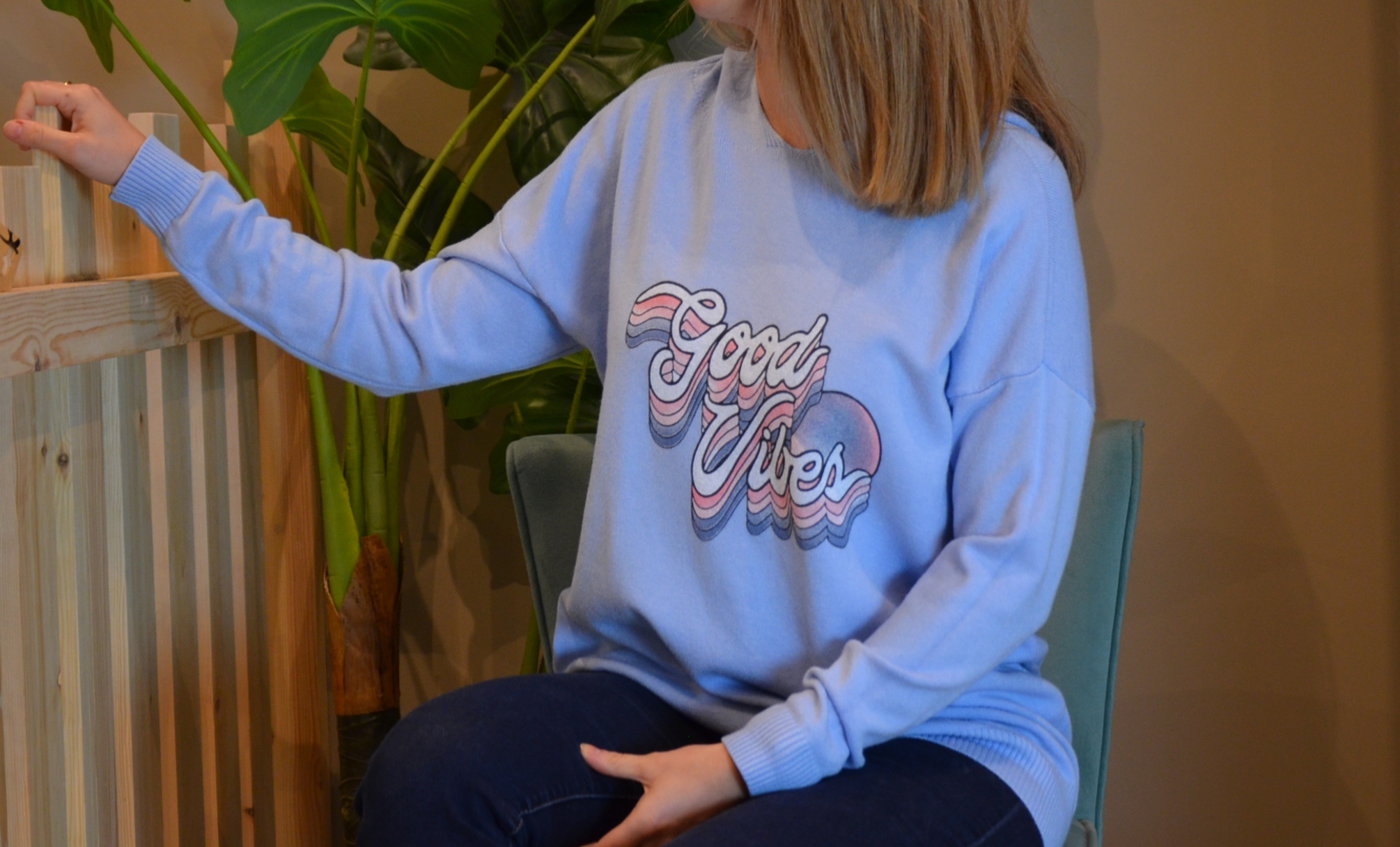 Le pull capuche « Good vibes»