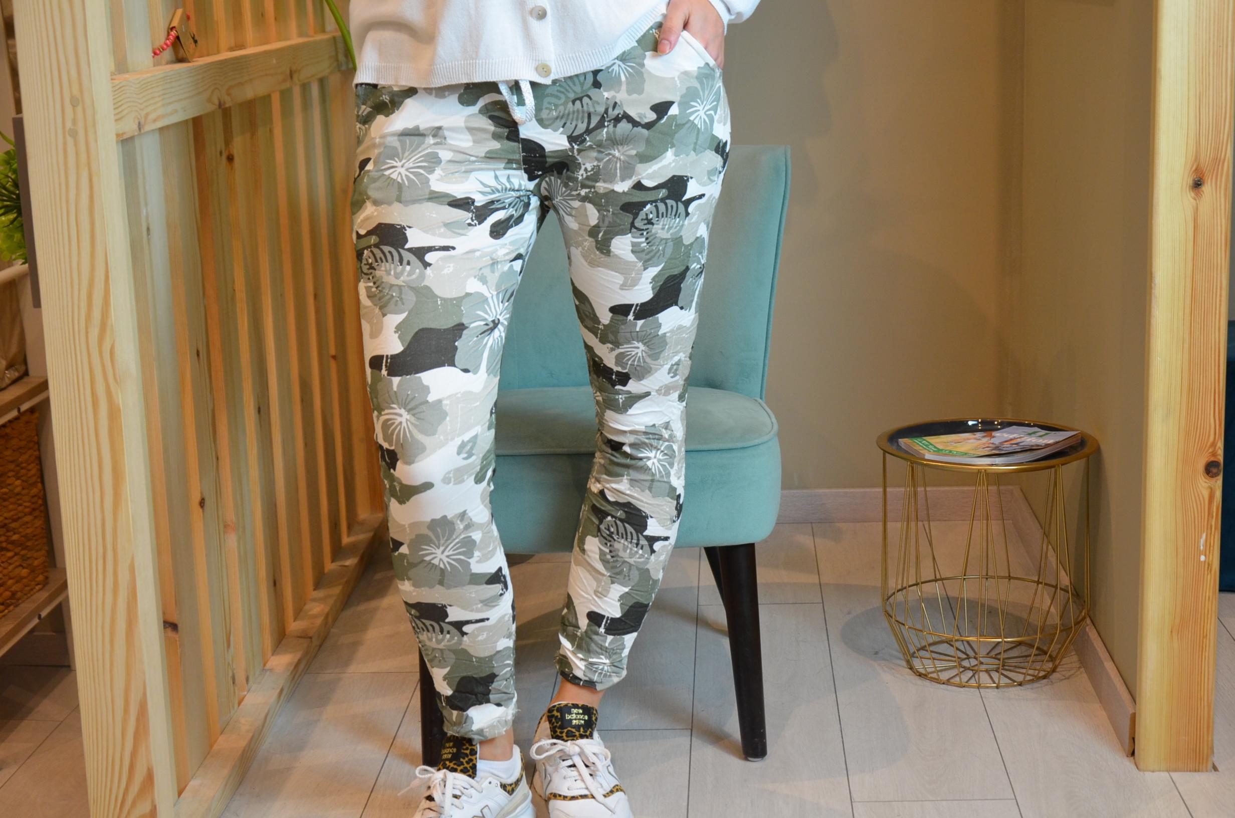Le pantalon « Cam» kaki