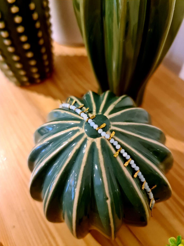 Le bracelet «perle» bleu clair