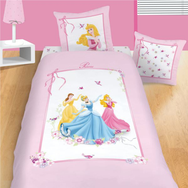 disney princesse housse de couette parure de lit enfant 100 coton ruban disney princesses. Black Bedroom Furniture Sets. Home Design Ideas