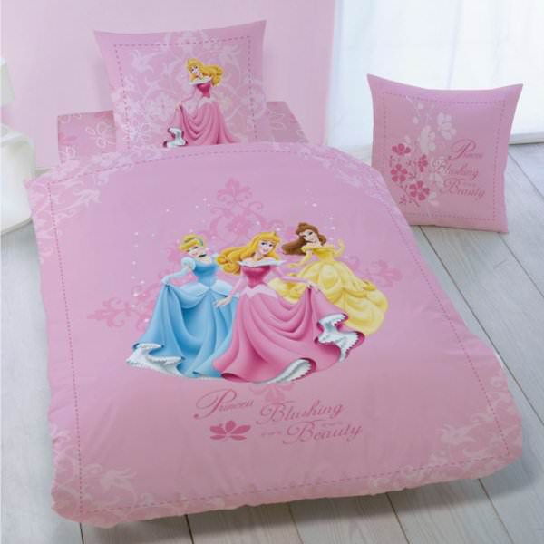 disney princesse housse de couette parure de lit enfant 100 coton beauty disney. Black Bedroom Furniture Sets. Home Design Ideas