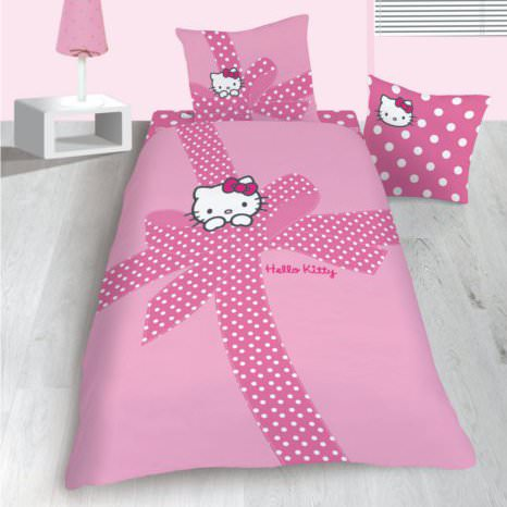 housse de couette hello kitty 140 x 200 cm parure de lit en flanelle plumetis decokids. Black Bedroom Furniture Sets. Home Design Ideas