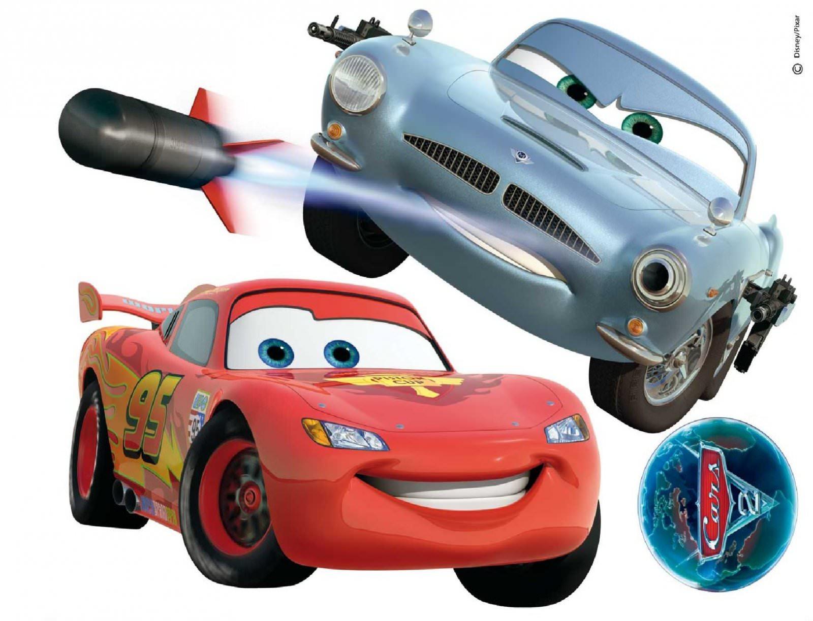 Disney cars 2 maxi stickers muraux 60 cm de largueur disney cars decokids tous leurs héros