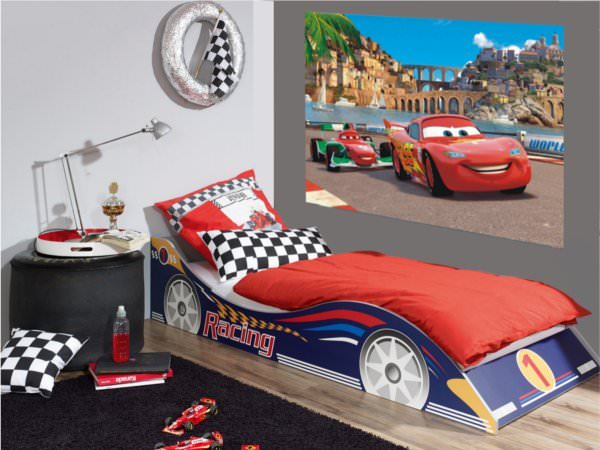 Disney cars 2 d coration murale maxi poster papier for Decoration chambre cars