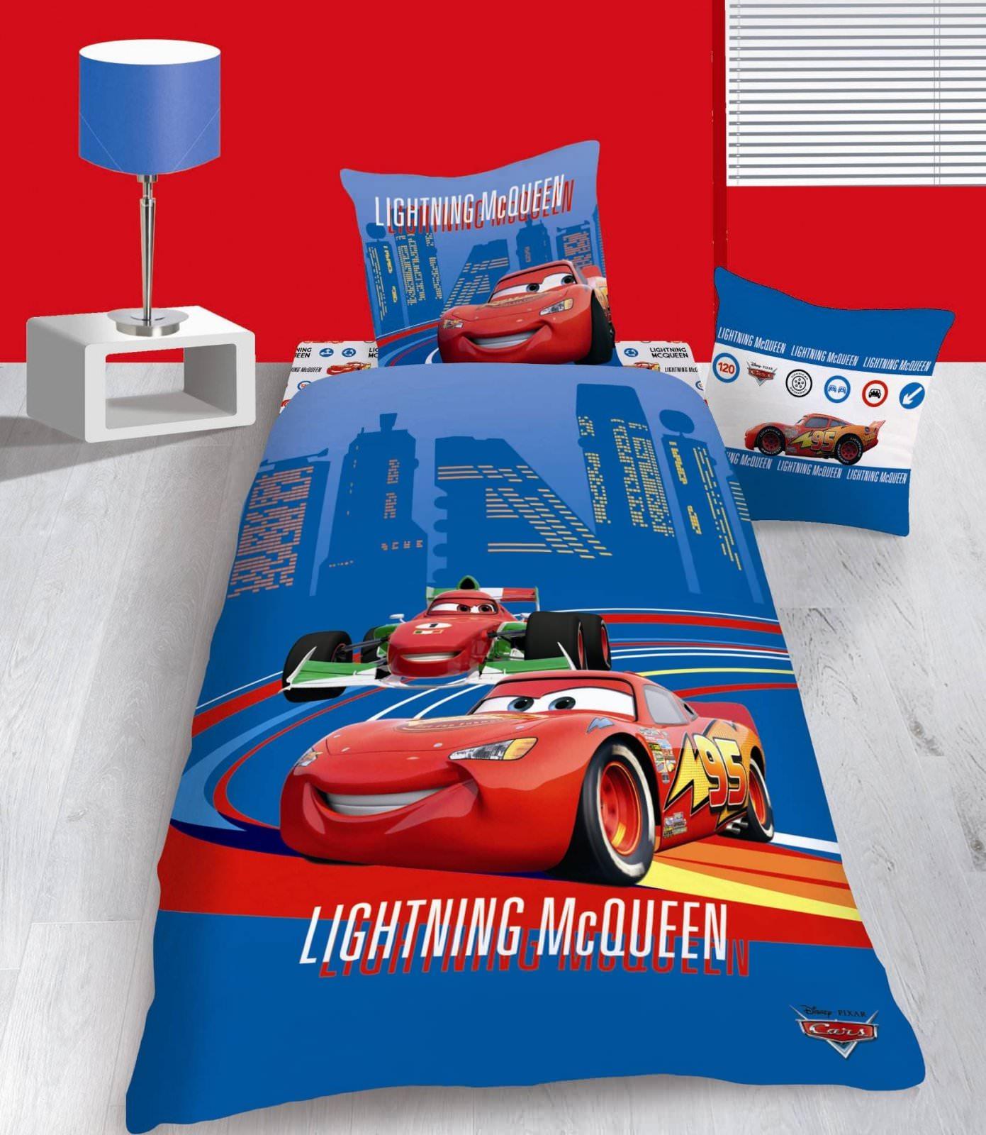 housse de couette disney cars 140 x 200 cm parure de lit mega racer decokids. Black Bedroom Furniture Sets. Home Design Ideas