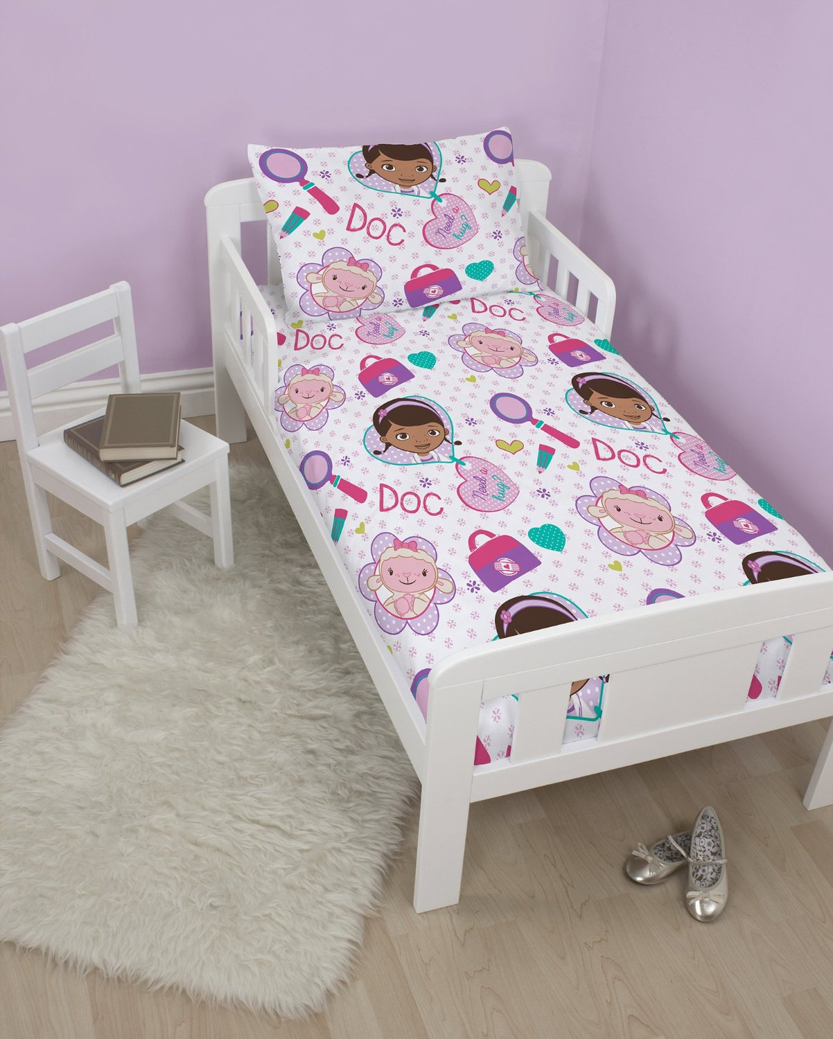 docteur la peluche doc mcstuffins set 4 en 1 housse de couette 120 x 150 cm taie. Black Bedroom Furniture Sets. Home Design Ideas
