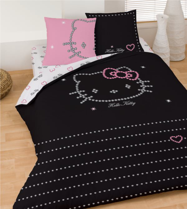 housse de couette hello kitty 240 x 220 cm parure de lit diamond decokids. Black Bedroom Furniture Sets. Home Design Ideas
