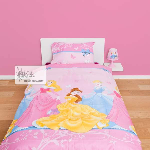 housse de couette disney princesse 140 x 200 cm parure de lit royal decokids. Black Bedroom Furniture Sets. Home Design Ideas
