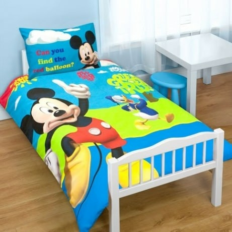housse de couette mickey 120 x 150 cm petit lit parure de lit puzzle d cokids. Black Bedroom Furniture Sets. Home Design Ideas