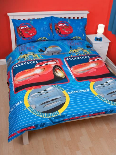 housse de couette disney cars 200x 200cm parure de lit. Black Bedroom Furniture Sets. Home Design Ideas