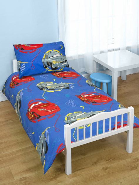 housse de couette disney cars 120 x 150 cm petit lit parure de lit decokids. Black Bedroom Furniture Sets. Home Design Ideas