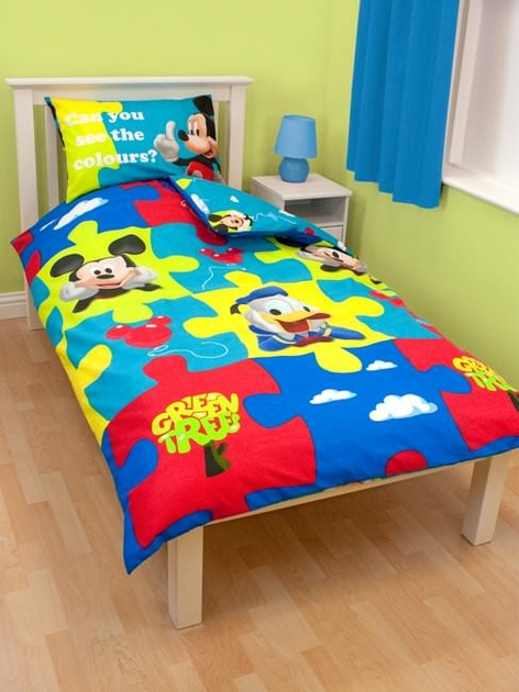 housse de couette mickey 140 x 200 cm parure de lit r versible decokids. Black Bedroom Furniture Sets. Home Design Ideas