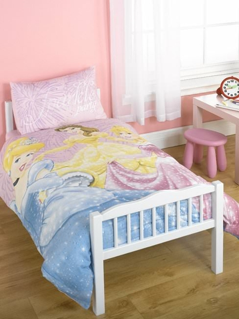 housse de couette disney princesse 120 x 150 cm parure de lit decokids. Black Bedroom Furniture Sets. Home Design Ideas