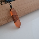 collier-pendentif-bois-resine-couleur-woogalf-2019
