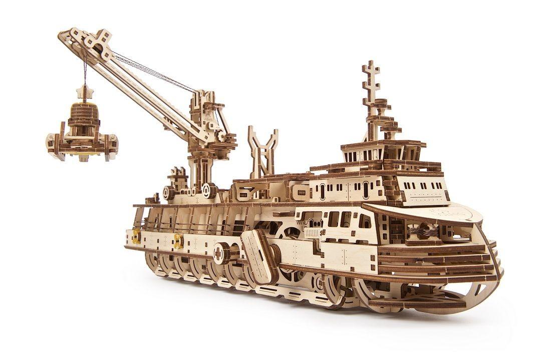 Ugears-Research-Vessel-model-kit-11-max-1100