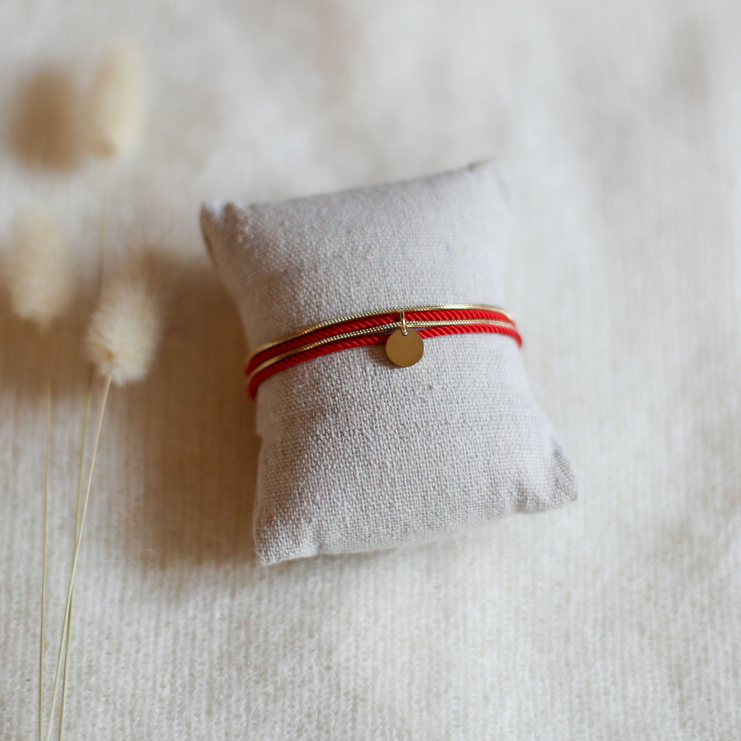 Valentine - Doré avec corde Rouge