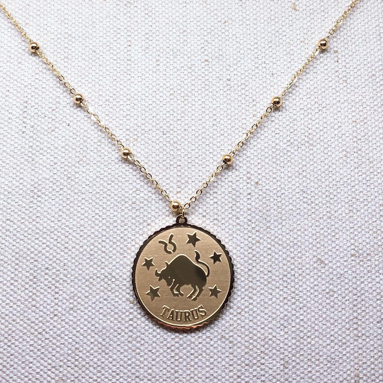 collier-femme-or-taureau