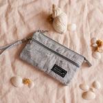 pochette-porteenre-gris