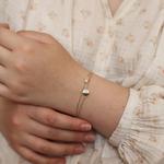 bracelet-femme-acier-or-howlite-porte-aurore-maya