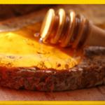 cuillère écologique en bois pour miel