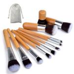 Lot de pinceaux et brosses à maquillage en bambou