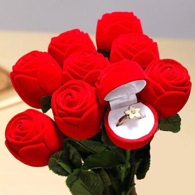 tres belle ecrin en forme de rose pour offrir votre bijou