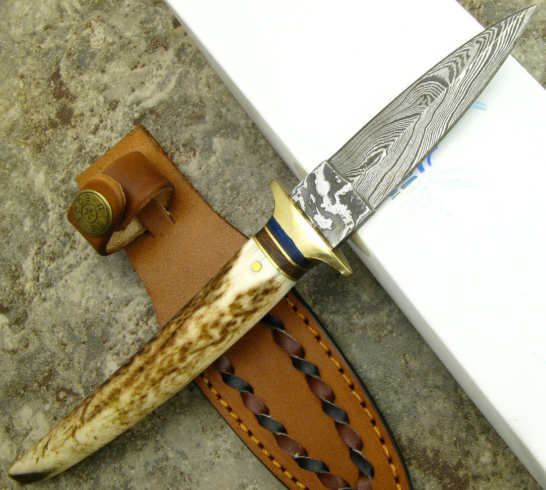 poignard 22cm lame damas couteau bois de cerf dm1030 poignard chasse couteau azur. Black Bedroom Furniture Sets. Home Design Ideas