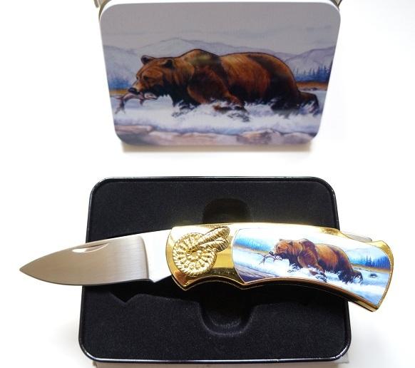 Couteau pliant design Ours + coffret en acier