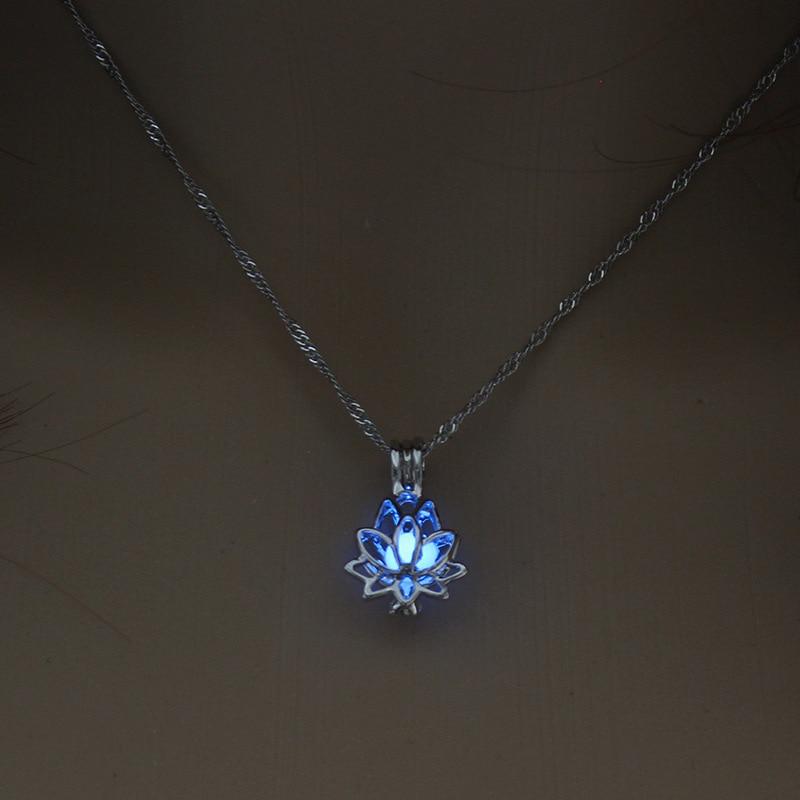 Pendentif Lotus Perle Luminescente