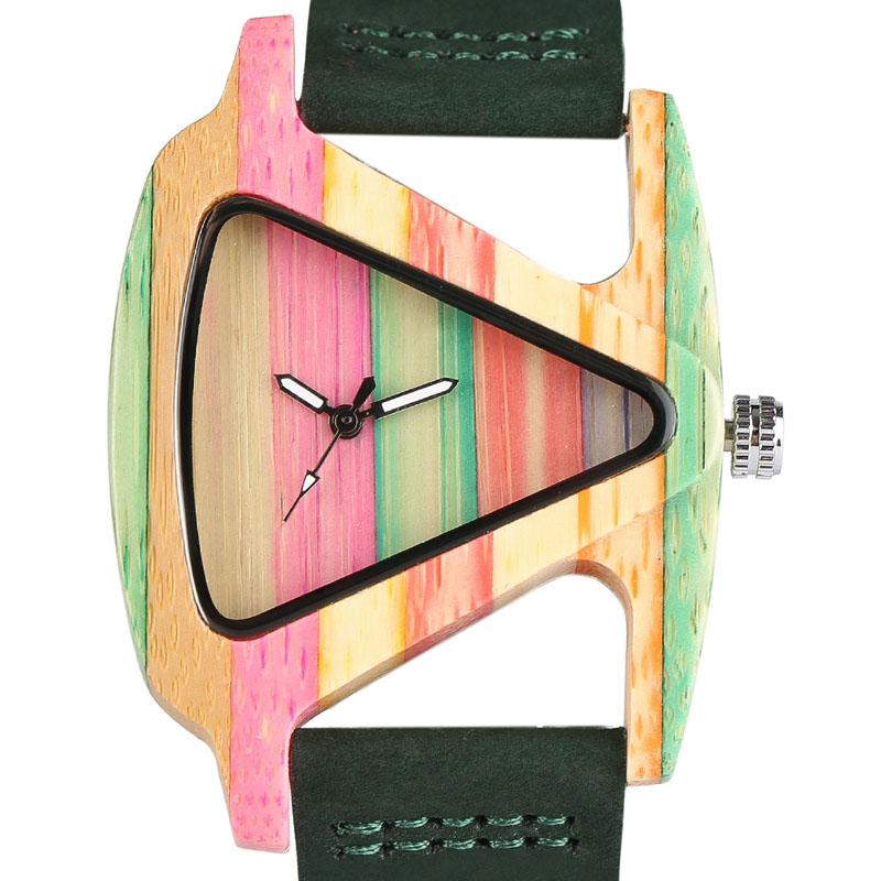 Montre en bois multicolore design