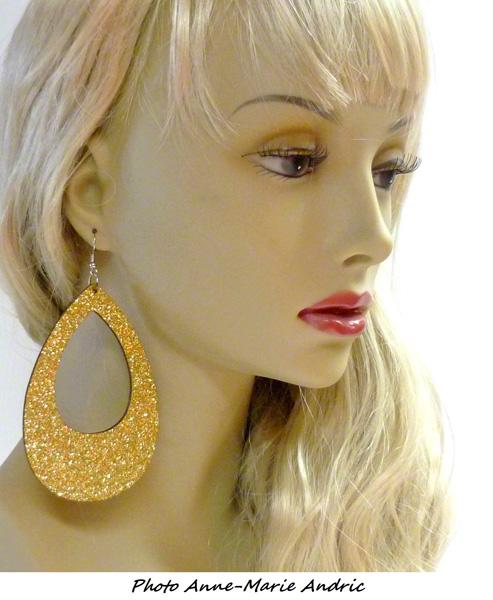 Boucles d\'oreille ovales disco pailletées dorées
